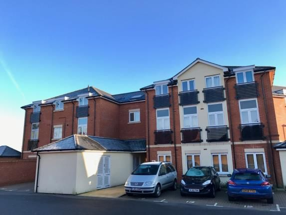 Thumbnail Flat for sale in Tadley, Hampshire