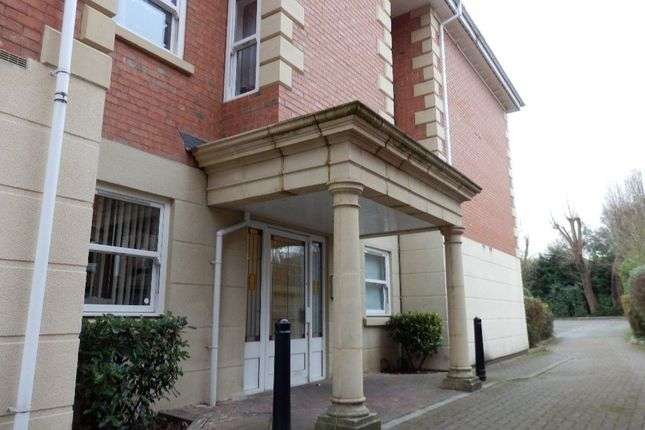 Thumbnail Flat To Rent In Manor Park Road Nuneaton