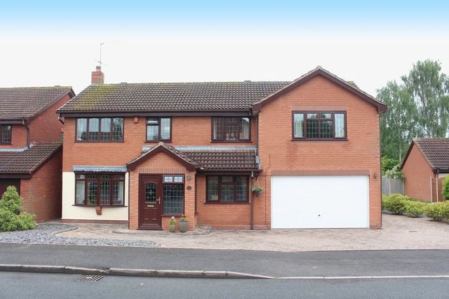 Thumbnail Detached house for sale in Ostler Close, Kingswinford