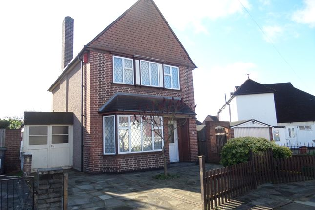 Thumbnail Detached house for sale in Daneswood Avenue, London