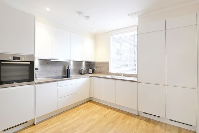 2 bed flat to rent in Hamlet Gardens, London