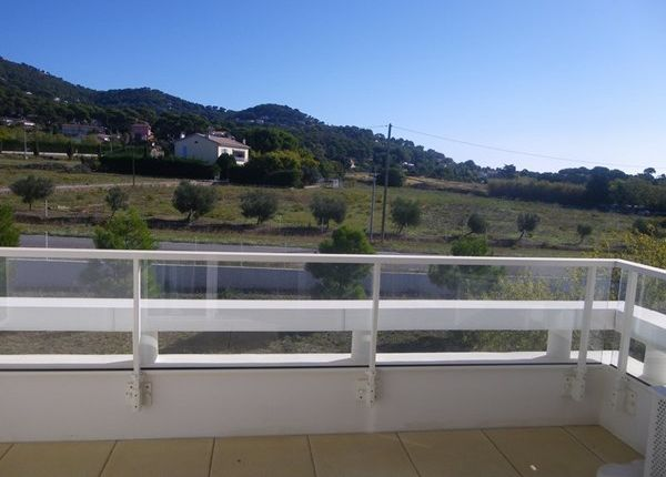 1 bed apartment for sale in 83320, Carqueiranne, Fr