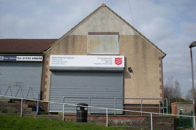 Retail premises to let in Central Drive, Keighley
