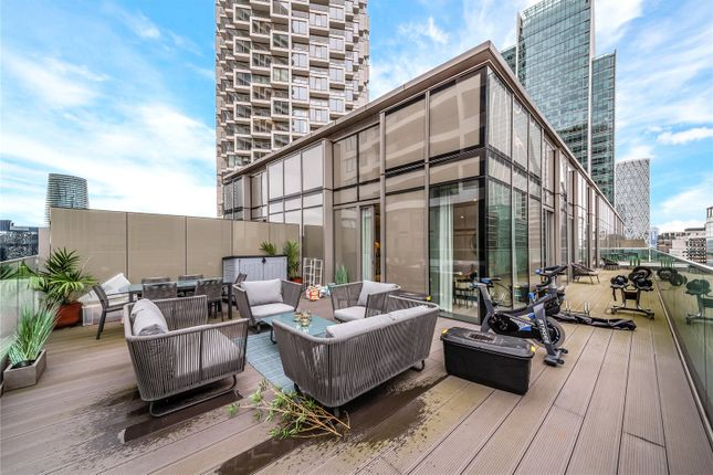 Thumbnail Flat to rent in Water Street, Canary Wharf
