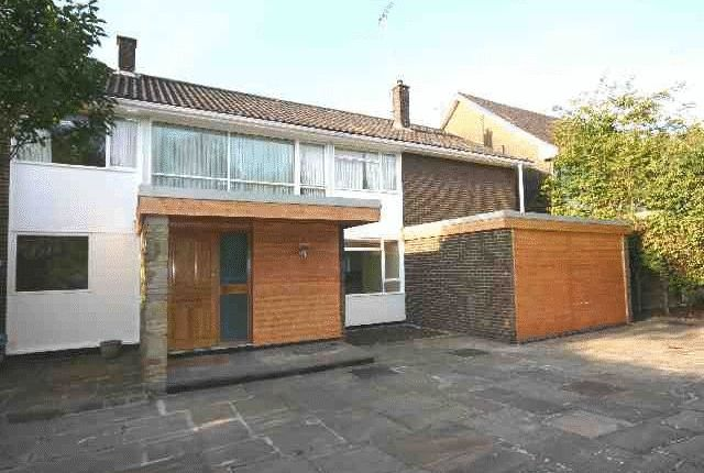 Thumbnail Property to rent in Neville Drive, Hampstead Garden Suburb