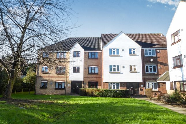 2 bed flat for sale in Redmayne Drive, Chelmsford