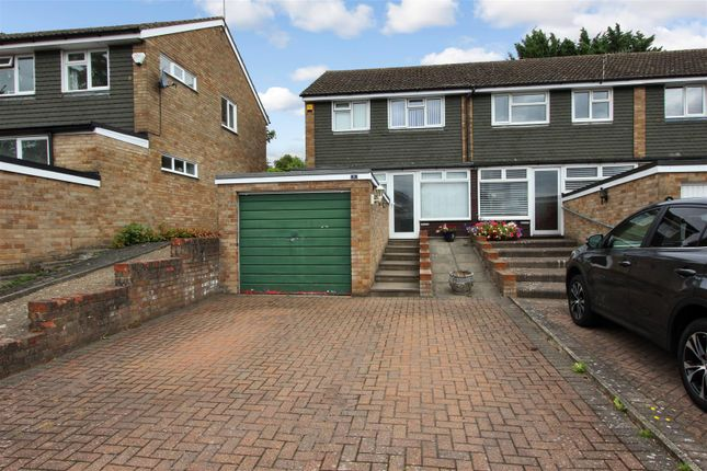 Thumbnail End terrace house for sale in Garland Close, Old Town, Hemel Hempstead