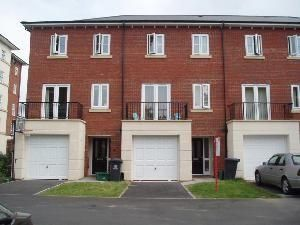 Thumbnail Town house to rent in Harescombe Drive, Gloucester