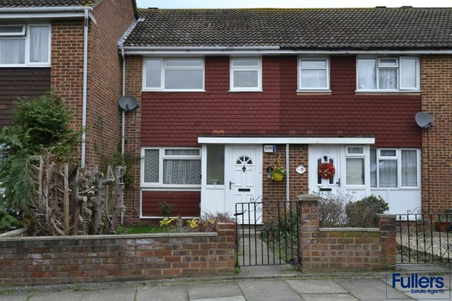Thumbnail Terraced house to rent in Bryant Close, Barnet
