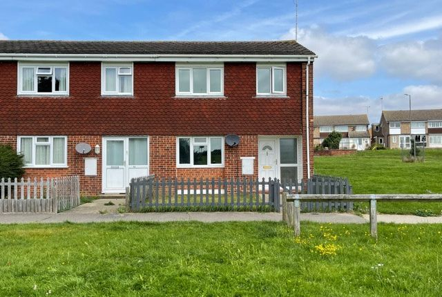 Thumbnail Terraced house to rent in Colne Chase, Witham, Essex