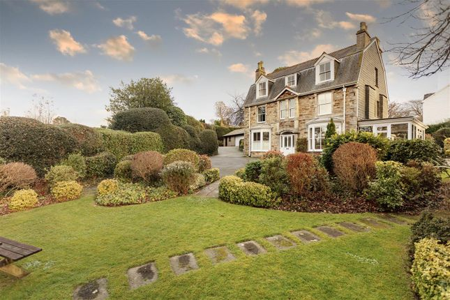 Thumbnail Detached house for sale in The Avenue, Truro