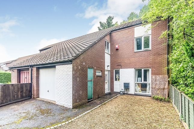 4 bed semi-detached house to rent in Dale Acre Way, Telford TF3