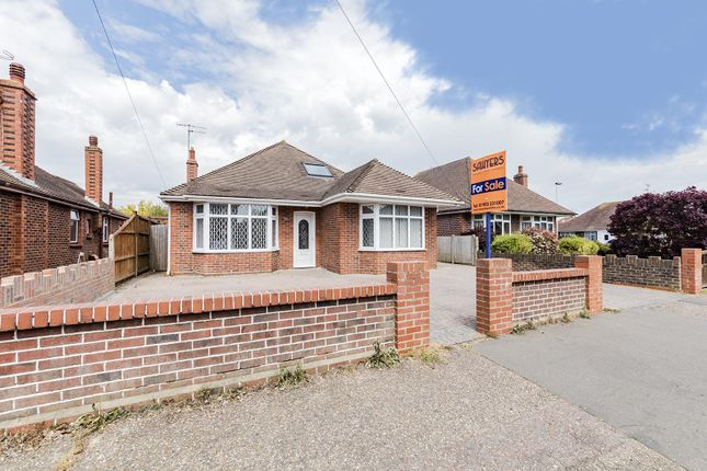 Thumbnail Detached bungalow for sale in Wiston Avenue, Broadwater, Worthing