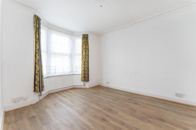 Thumbnail Flat to rent in Endsleigh Road, Ealing