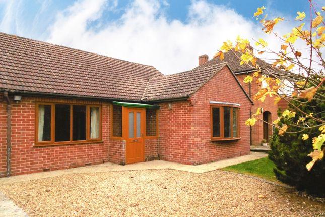 Thumbnail Detached bungalow to rent in Hanney Road, Steventon, Abingdon