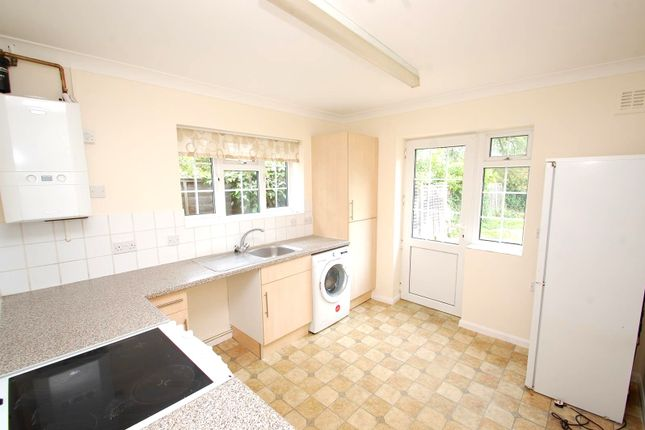 Thumbnail Bungalow to rent in Rushdene Road, Brentwood