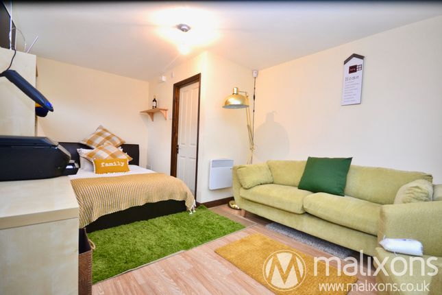 Annex Bedroom of Oaklands Avenue, Thornton Heath CR7