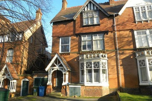 Thumbnail Studio to rent in Flat 7, 13 Strensham Hill, Moseley