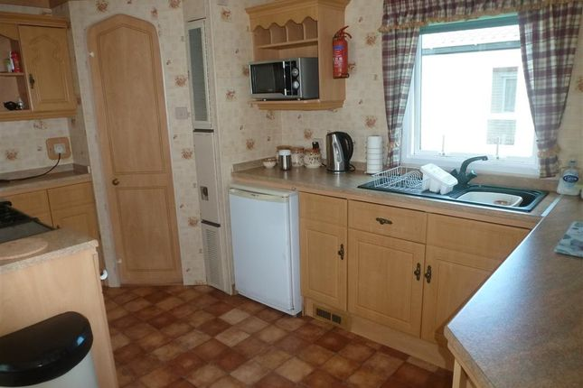 2 bed mobile/park home for sale in Reach Road, St. Margarets-At-Cliffe, Dover, Kent