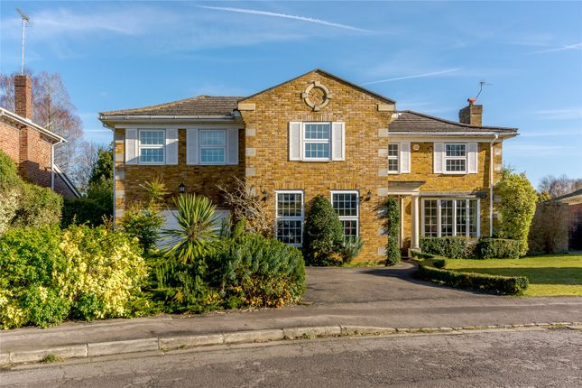 Thumbnail Detached house to rent in Watermans Way, Wargrave, Berkshire