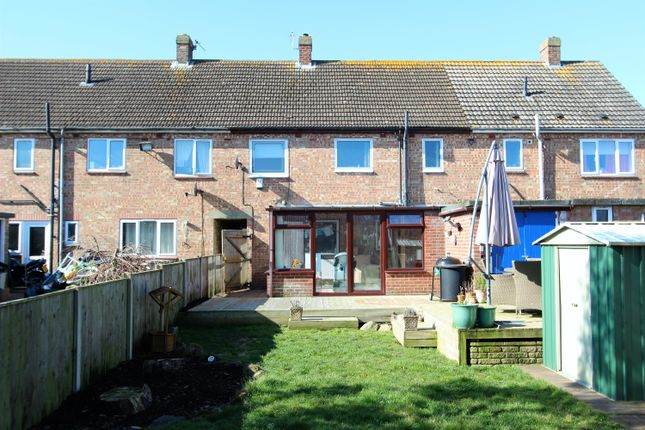 3 bed terraced house for sale in Broadley Crescent, Louth