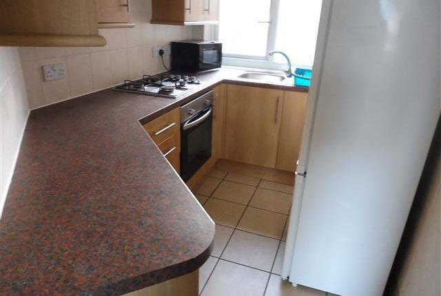 4 bed flat to rent in Royal Albert Walk, Albert Road, Southsea