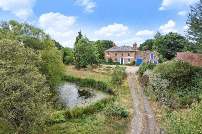 Thumbnail Detached house for sale in Forest Road, Wokingham