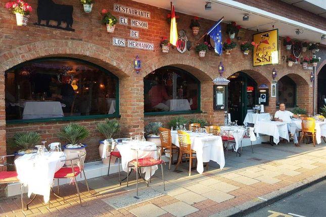 Thumbnail Restaurant/cafe for sale in Weybridge KT13, UK