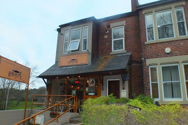 Thumbnail Flat to rent in Meanwood Road, Leeds, West Yorkshire