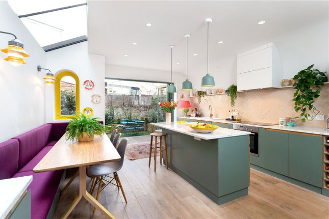 Thumbnail Terraced house for sale in Valetta Road, London