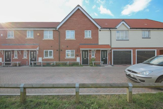 Thumbnail Terraced house for sale in Roedean Crescent, Basildon