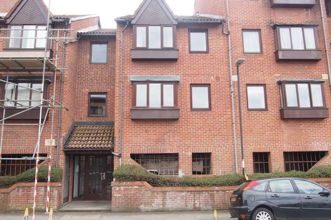 Thumbnail Flat to rent in Victoria Avenue, Redfield, Bristol
