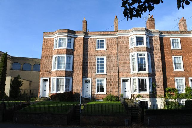Thumbnail Town house for sale in North Parade, Grantham