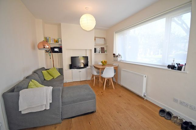 2 bed flat to rent in Nightingale Lane, London, Greater London. E11