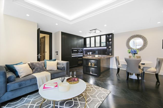 2 bed flat for sale in Strand, London WC2R