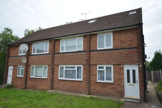 Thumbnail Flat for sale in Summit Close, Edgware