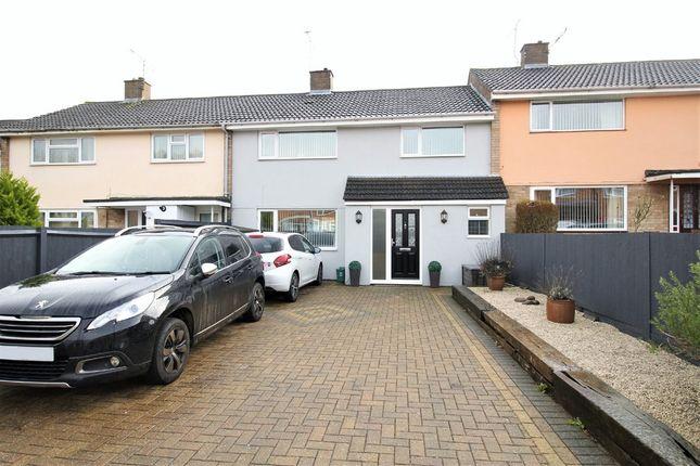 Thumbnail Terraced house for sale in Raybarn Road, Hemel Hempstead