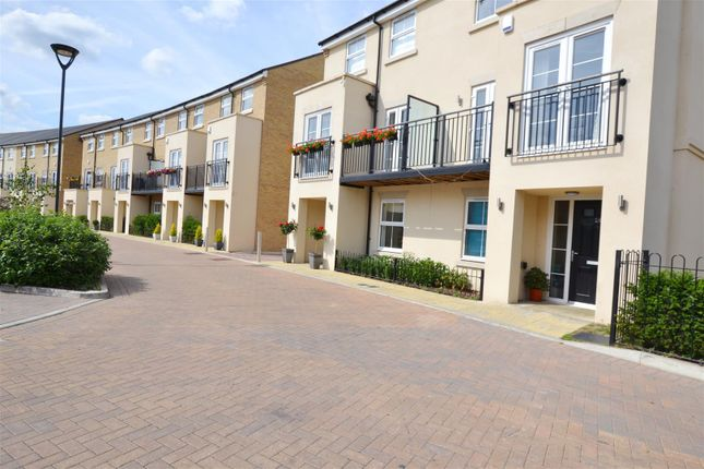 Thumbnail Property to rent in Autumn Way, West Drayton