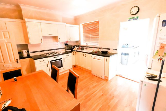 Thumbnail Shared accommodation to rent in 42 Leicester Street, Kettering