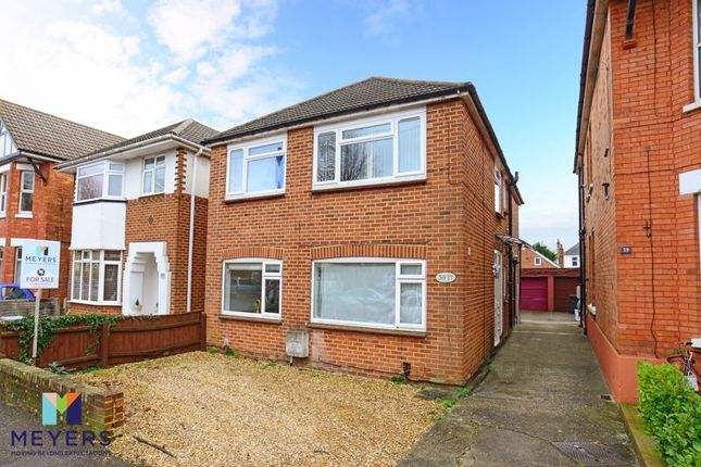 Thumbnail Flat for sale in Castlemain Avenue, Southbourne