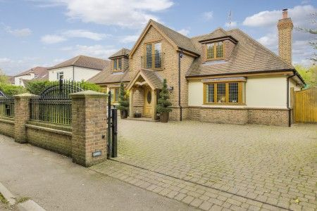 Thumbnail Detached house for sale in New Park Road, Newgate Street, Hertford