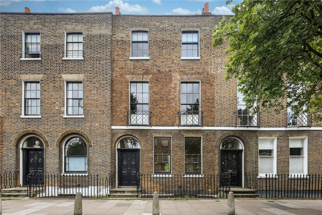 Thumbnail Property for sale in Sutton Place, London