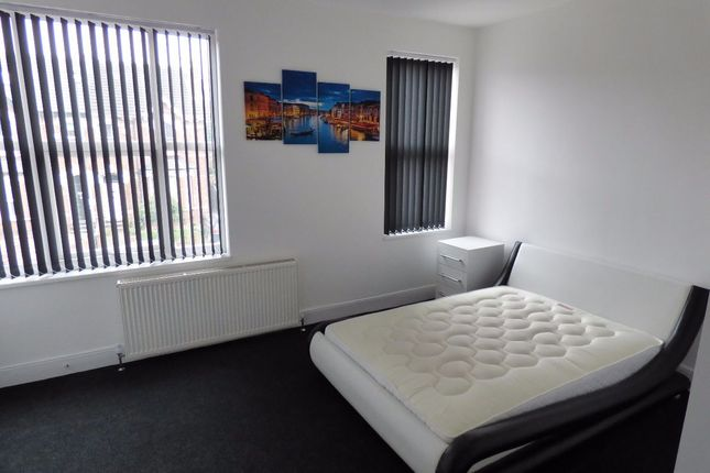 Room to rent in Room 4, Queens Road, Doncaster DN1