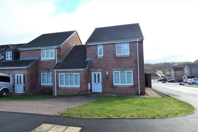 3 bed semi-detached house to rent in Glenfields Road, Haverfordwest SA61
