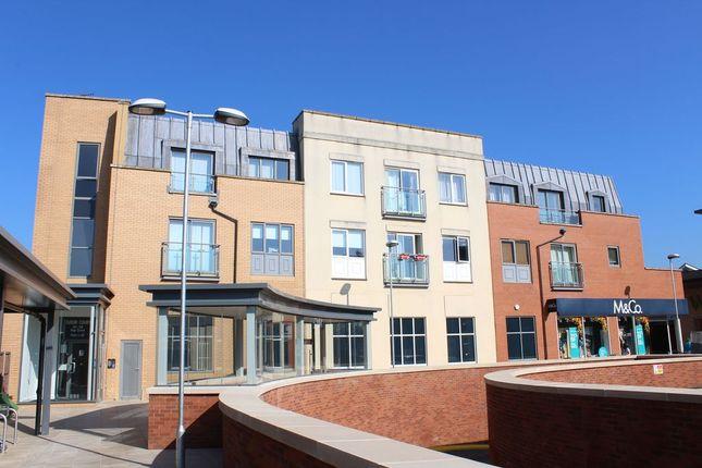 Thumbnail Flat to rent in High Street, Egham