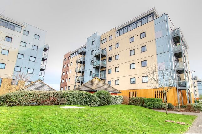 2 bed flat for sale in Groombridge Avenue, Eastbourne BN22