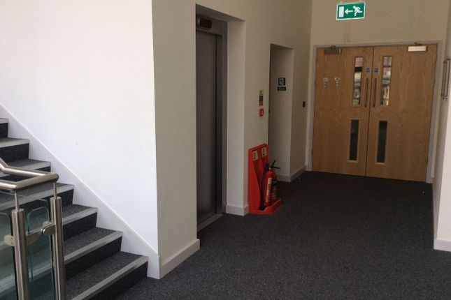 Office to let in Market Place, Chesterfield