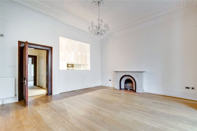 Living Room of Redcliffe Gardens, Chelsea, London SW10