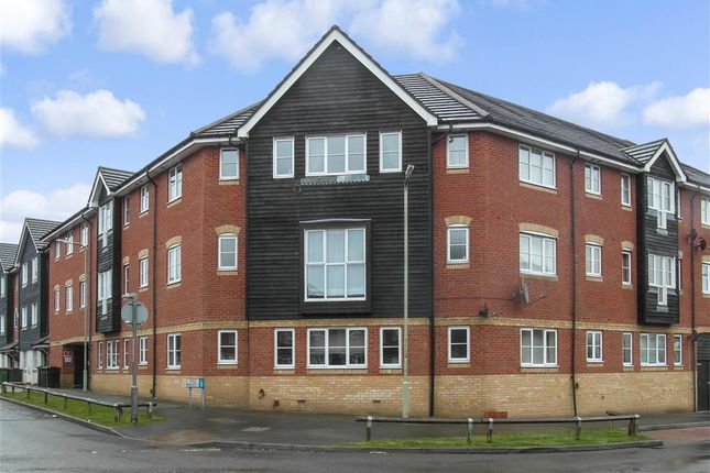 Thumbnail Flat for sale in Kings Prospect, Ashford, Kent