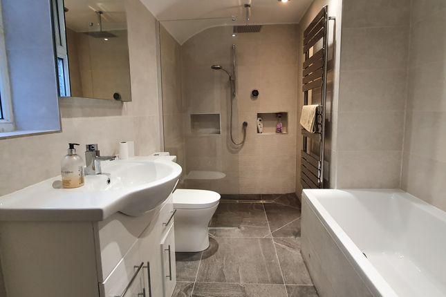Bathroom of Kilvey Terrace, St Thomas, Swansea SA1
